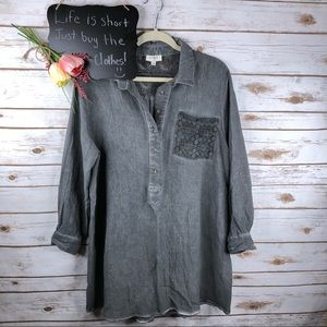 Umgee lace detail 1/2 button oversized tunic top
